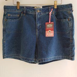 Levi's Jean Denim Shorts, NWT, size 18